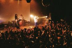 ステージ左からBIM、STUTS、VaVa、JJJ。(Photo by Ryohei Anbo)