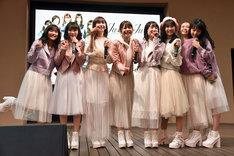 Juice=Juice「微炭酸 / ポツリと / Good bye & Good luck!」発売記念イベントの様子。