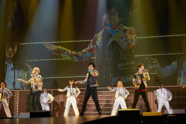 人気画像8位は「新しい地図、初めてのファンミでNAKAMAと対面『本当の始まりって感じです』」より、「新しい地図NAKAMA to(と)MEETING_vol.1」東京・武蔵野の森総合スポーツプラザ公演の様子。(撮影:宮脇進)