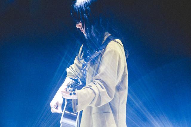 人気画像9位は「あいみょん初の武道館に1万4000人、万感の思いで歌った18曲」より、あいみょん。(撮影:鈴木友莉)