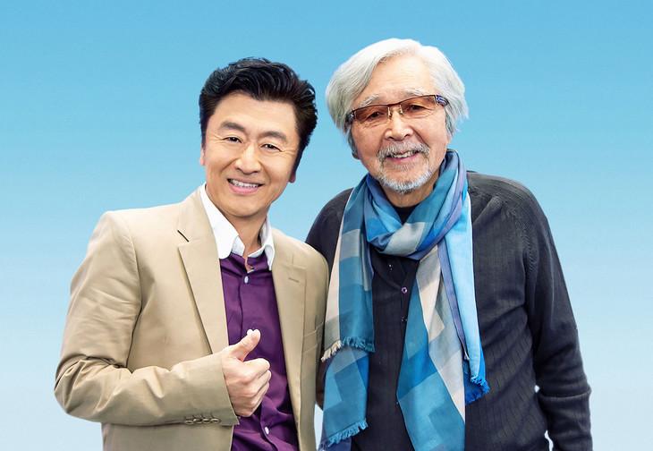 左から桑田佳祐、山田洋次監督。