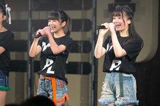 左から新メンバーの吉田優良里、吉澤悠華。