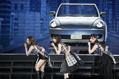 左から桜井玲香、西野七瀬、山下美月。(写真提供:ソニー・ミュージックレーベルズ)
