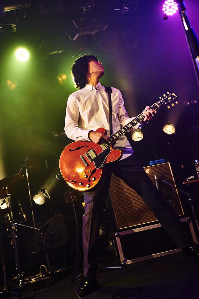 """2018年10月14日に東京・渋谷CLUB QUATTROで行われた「THE COLLECTORS CLUB QUATTRO MONTHLY LIVE""""LAZY SUNDAY AFTERNOON""""」より。(撮影:後藤倫人)"""