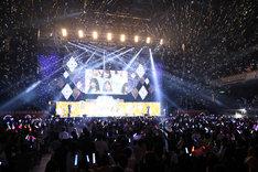 乃木坂46のライブの様子。 (c)フジテレビ