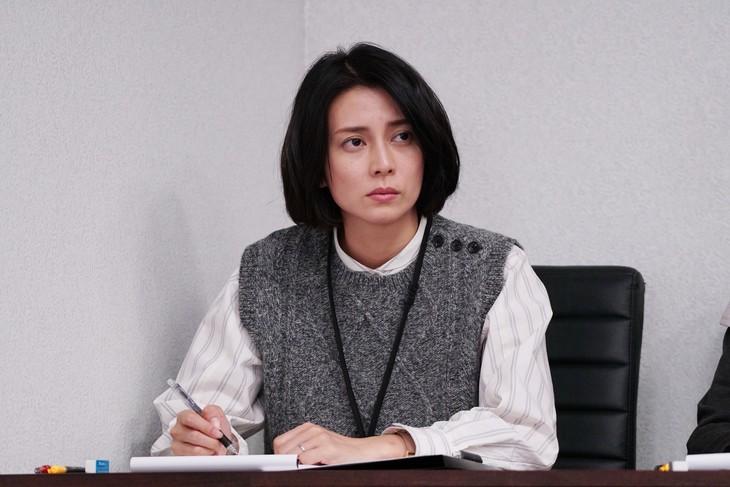 WOWOW「連続ドラマW 坂の途中の家」より柴咲コウ。(c)2019 WOWOW INC.