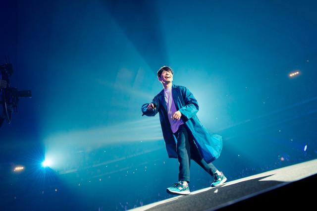 「星野源 DOME TOUR 2019『POP VIRUS』」東京ドーム公演での星野源。(撮影:田中聖太郎)
