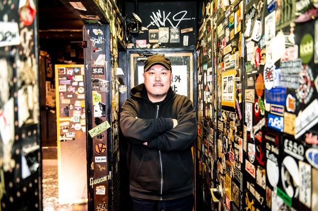 HUCK FINNの7代目店長の黒崎栄介氏。