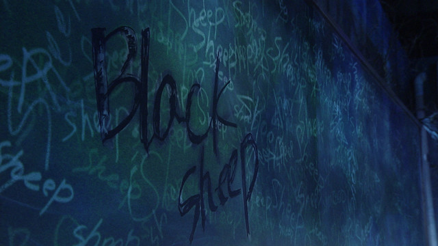 欅坂46「黒い羊」のステージセット。(写真提供:NHK)