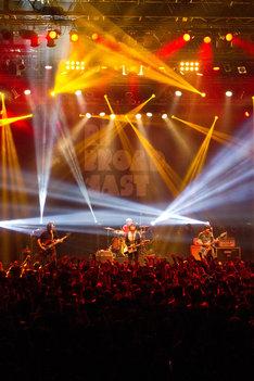 「REBROADCAST TOUR」東京・Zepp Tokyo公演の様子。(撮影:岩佐篤樹)