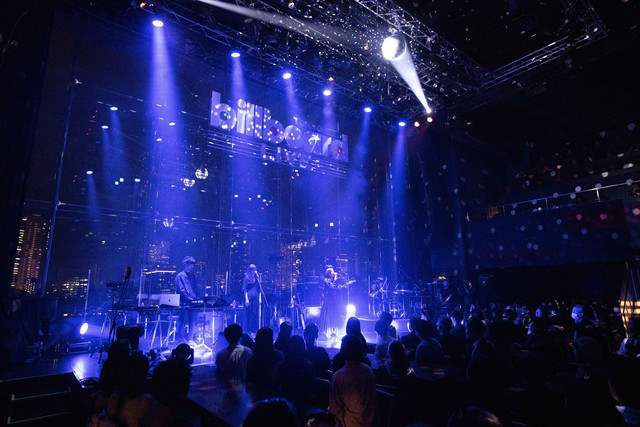「milet SPECIAL SHOW CASE @Billboard-Live TOKYO」の様子。(写真提供:SME Records)