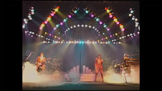 「DRAGON THE FESTIVAL TOUR featuring TM NETWORK 1985.10.31」のワンシーン。