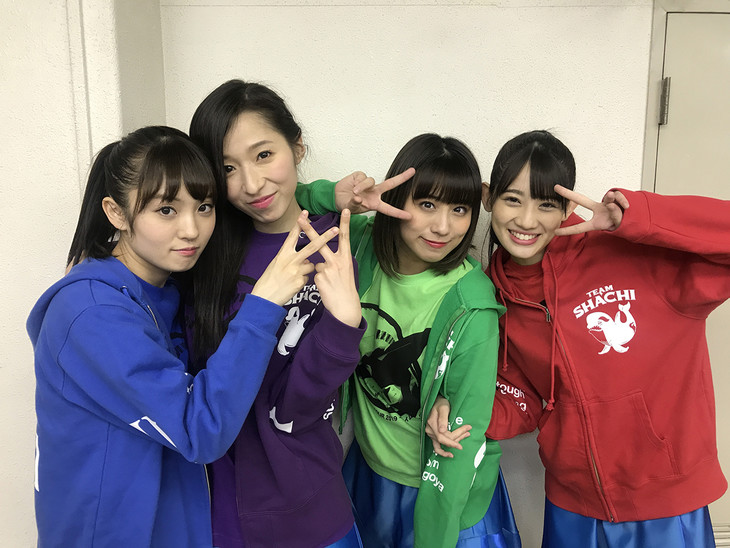 「TEAM SHACHI 1st TOUR 2019~タイムトレイン かなた~」愛知・豊橋市公会堂でのオフショット。