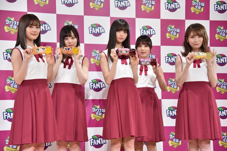左から生田絵梨花、山下美月、齋藤飛鳥、与田祐希、秋元