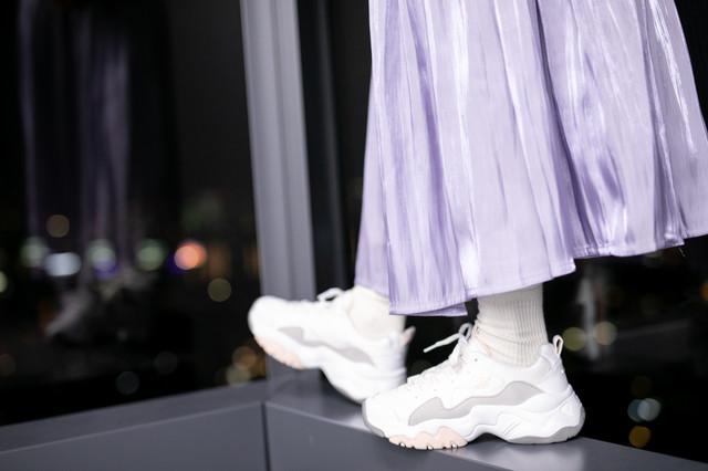 坂井仁香のプリーツスカート。