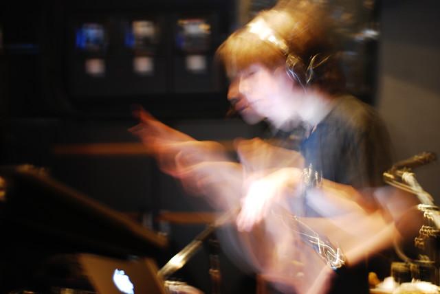 Imoutoid。2008年6月20日に東京・Seco Loungeで撮影されたライブ写真。(家族提供)
