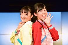 ハコムス新メンバーの依田彩花(左)と山本花奈(右)。
