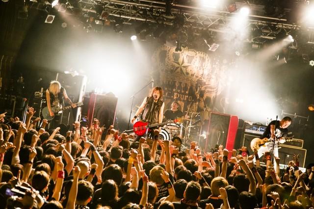 「F.C.Pyro.NIGHT vol.16」新宿BLAZE公演の様子。(Photo by Rina Asahi)