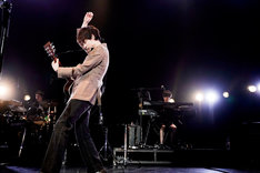 東京・チームスマイル・豊洲PITで行われた「パーフェクトワールド SPECIAL NIGHT」の様子。(撮影:上飯坂一)