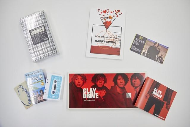 左上が「GLAY DOME TOUR 2001-2002 ONE LOVE」のライブビデオ。