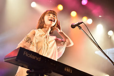 蒼山幸子(Vo, Key)(Photo by AZUSA TAKADA)