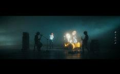 [ALEXANDROS]「Pray」MVのワンシーン。