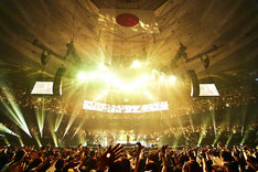 「LUNA SEA 30th anniversary LIVE -Story of the ten thousand days-」の様子。(撮影:田辺佳子、橋本塁)