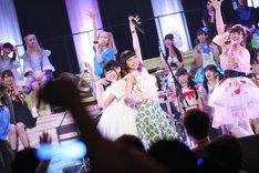 バンドじゃないもん! MAXX NAKAYOSHI with 藤咲彩音&鹿目凛(Photo by cherryman)