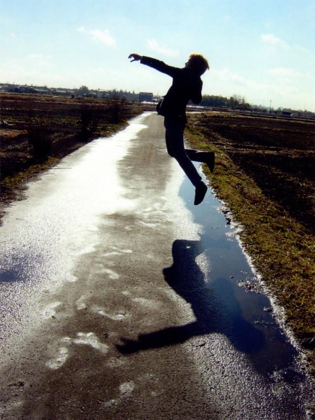 青山がジャンプを自撮りし始めた頃の写真。(写真提供:青山裕企)