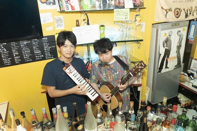 2人で演奏を披露することもしばしば。左がちゅうさん、右が藤井さん。