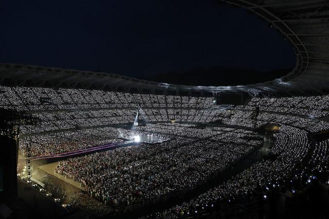 「BTS WORLD TOUR 'LOVE YOURSELF: SPEAK YOURSELF' -JAPAN EDITION」エコパスタジアム公演の様子。(写真提供:Big Hit Entertainment)