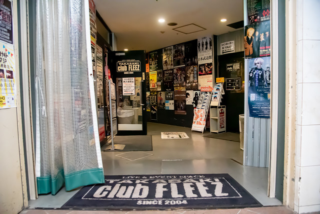高崎clubFLEEZの入口。