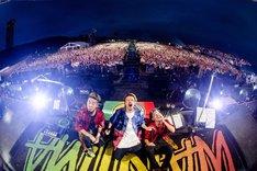 「WANIMA × S2O JAPAN Good Job!! Release Party~カオス!! ギネス!? 日本初!!~ in 幕張海浜公園」の様子。(撮影:瀧本JON...行秀)