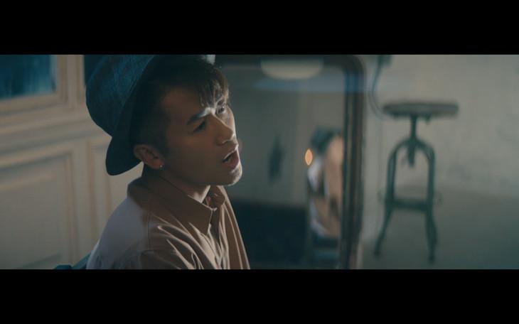 ナオト・インティライミ「まんげつの夜」ミュージックビデオのワンシーン。