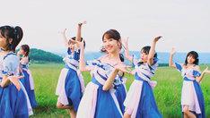 AKB48「サステナブル」ミュージックビデオのダンスシーン。