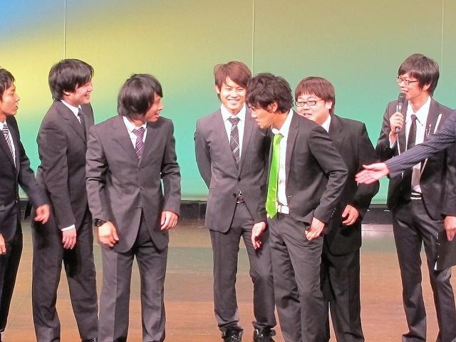 トップリードの「キングオブコント2011」決勝進出に「決勝行けたからって売れたと思うなよ!」といきがるタイムマシーン3号・山本。