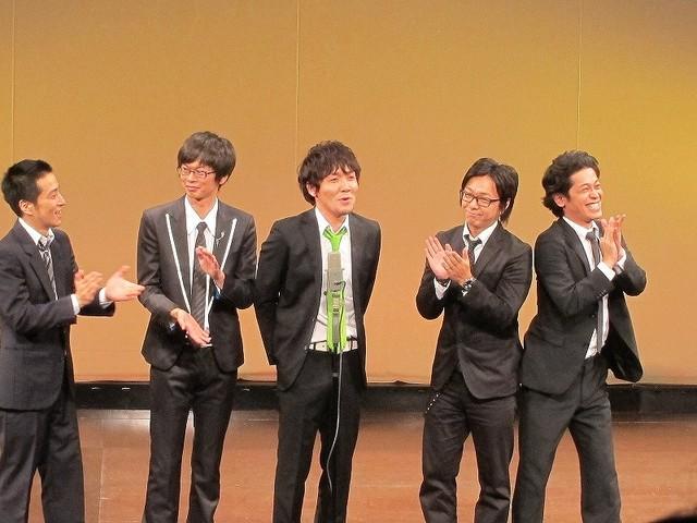 タイムマシーン3号・山本、磁石・永沢、Hi-Hi上田、風藤松原・風藤、流れ星・ちゅうえいの漫才。山本が4人のボケにツッコミまくった。超新塾をモチーフにした部分も。