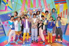 新コント番組「パワー☆プリン」に出演する(前列左から)ジャングルポケット、2700、スパイク、(後列左から)横澤夏子、チョコレートプラネット、パンサー。(c)TBS