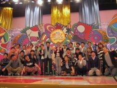ABC創立60周年記念特別番組「復活!! すんげー!BEST10」に出演するMCの千原兄弟ら。