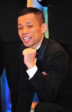 「R-1ぐらんぷり2012」で優勝したCOWCOW多田。
