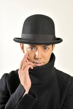 ミステリー作品「赤川次郎原作 毒〈ポイズン〉」で連続ドラマ初主演を務めることが決定したピース綾部。(c)ytv