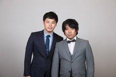 「日清食品 THE MANZAI 2012 年間最強漫才師決定トーナメント」に出場するアルコ&ピースの平子(左)と酒井(右)。