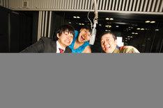 「オールナイトニッポン 45時間スペシャル」の総合司会を務めるオードリーと笑福亭鶴光(右)。(c)ニッポン放送