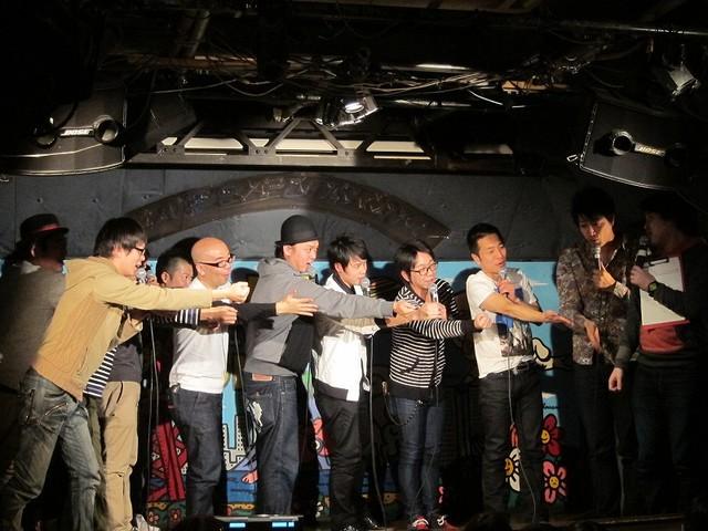 オジンオズボーン篠宮のギャグ「フィーバー」を活かしたFKD48団体芸。