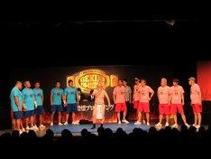 「激情プロレスリング~激突!! 吉本芸人軍団 VS 新日本プロレス軍団全面戦争~」の様子。
