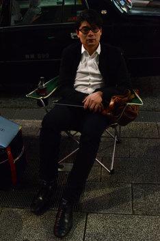 ソフトバンク銀座前に徹夜で並ぶ予定の平成ノブシコブシ吉村。