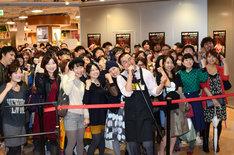 DVD「Live in Japan」発売記念イベントの様子。