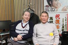 2012年12月、高田文夫の復帰祝いでビートたけしが「高田文夫のラジオビバリー昼ズ」生出演した際の2ショット。