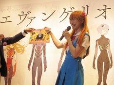 大阪・阪急うめだ本店9階 阪急うめだギャラリー「エヴァンゲリオン展」に登場した桜 稲垣早希。