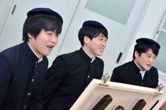 (左から)バカリズム、堂島孝平、ニイルセン。